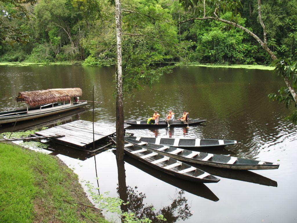 canoe-tour-iquitos-amazon-peru