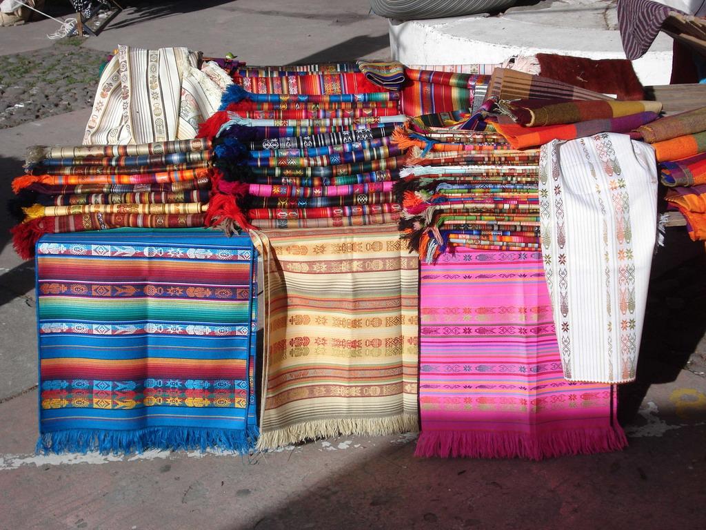 otavalo-market-amazon-galapagos-tour-ecuador