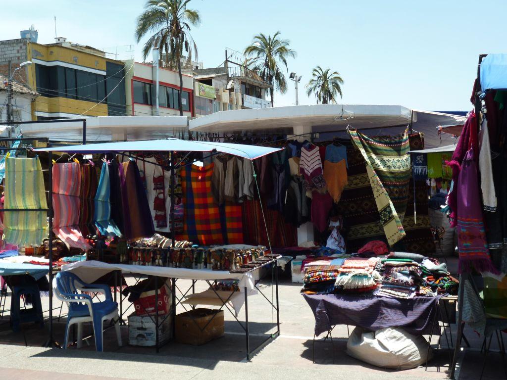 otavalo-market-ecuador-tours-travel